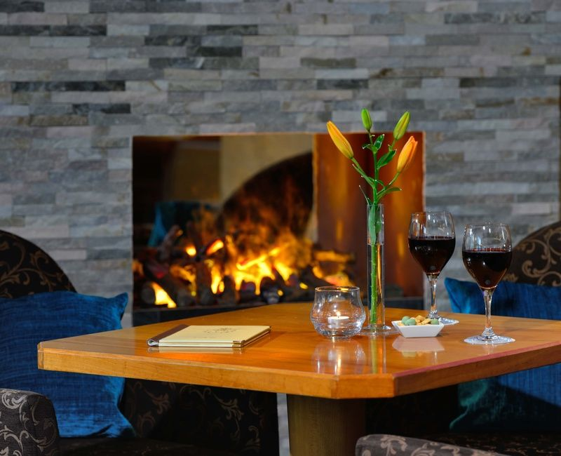 Kamin-rosis-bar-hotel-erb-parsdorf-muenchen